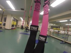 ドライランドプログラム「TRX×SWIM」はこんな機材を使ってトレーニングします。