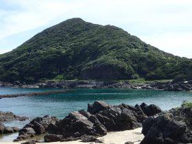 一湊海岸から見た矢筈岬
