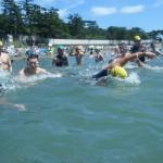 プールで海で、泳ぎ込み企画満載!