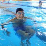 脱力スイムで速く泳ぐ